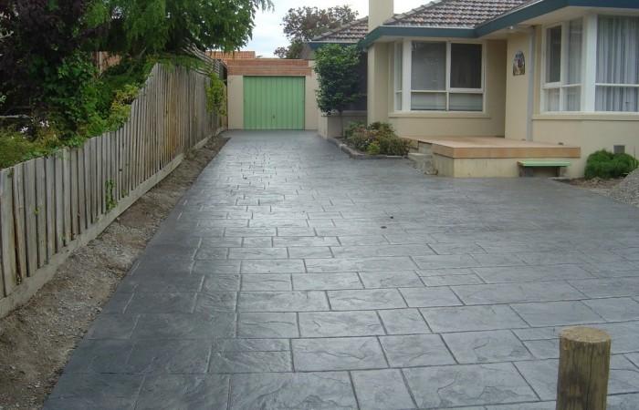 Decorative-concrete-bluestone