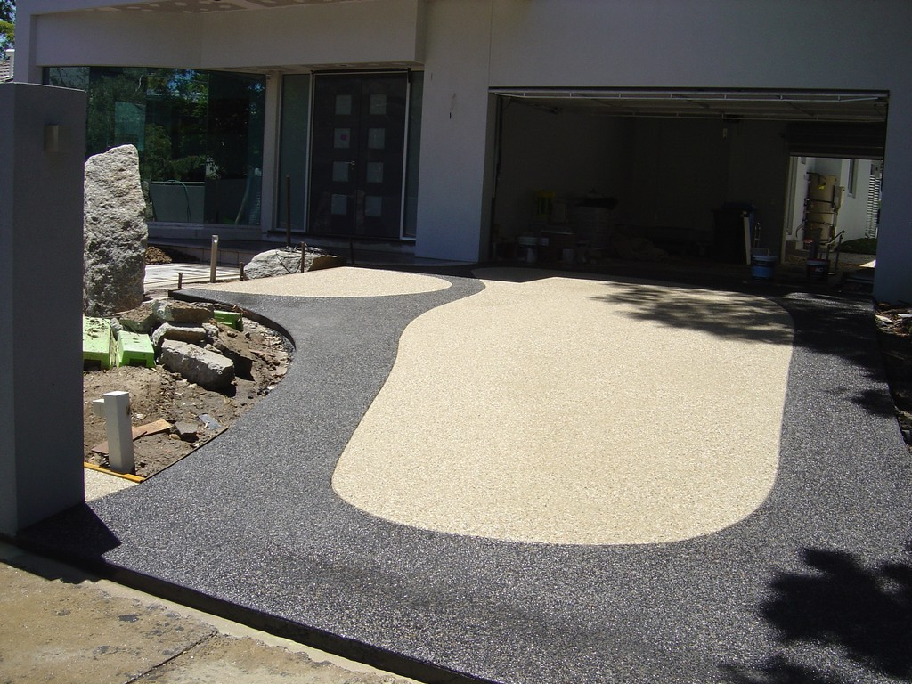 how to clean aggregate driveway